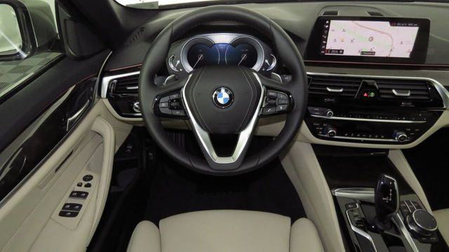 2019 BMW 5 Series COURTESY VEHICLE  - 18742974 - 9