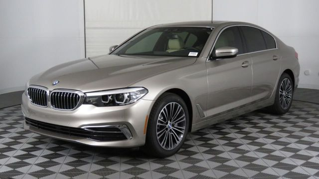 2019 BMW 5 Series COURTESY VEHICLE  - 18742974 - 2