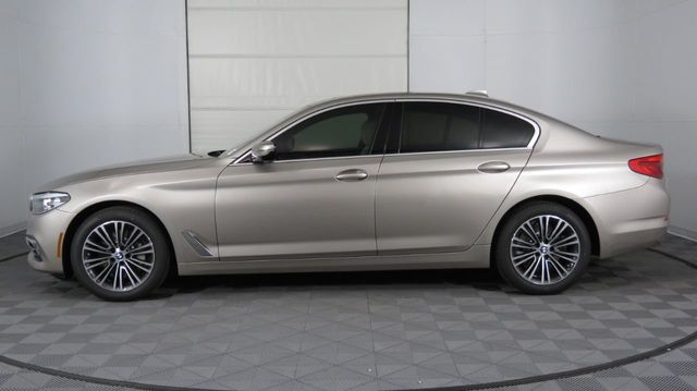 2019 BMW 5 Series COURTESY VEHICLE  - 18742974 - 3