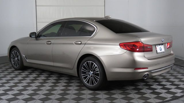 2019 BMW 5 Series COURTESY VEHICLE  - 18742974 - 4