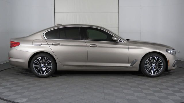 2019 BMW 5 Series COURTESY VEHICLE  - 18742974 - 7