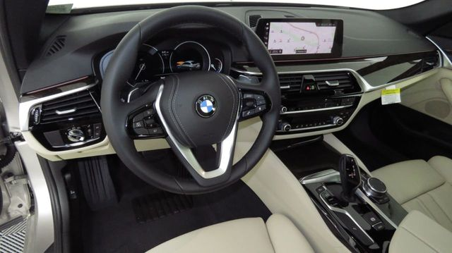 2019 BMW 5 Series COURTESY VEHICLE  - 18742974 - 8