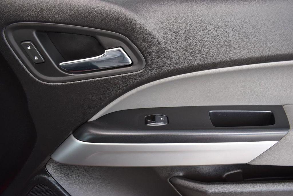 2019 Chevrolet Colorado  - 18689007 - 15