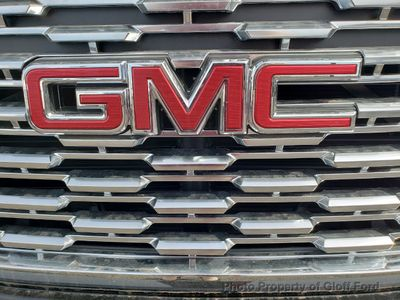2019 GMC Yukon 2WD 4dr Denali - Click to see full-size photo viewer