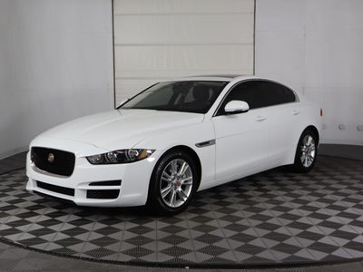 2019 Jaguar XE 25t Premium RWD - Click to see full-size photo viewer