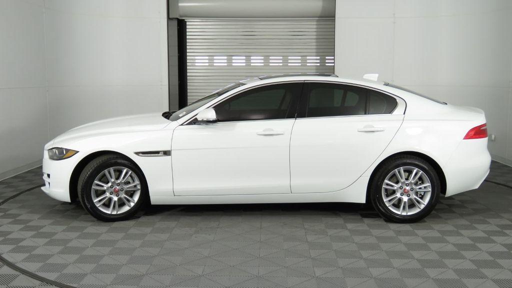 2019 Jaguar XE 25t Premium RWD - 18893539 - 8