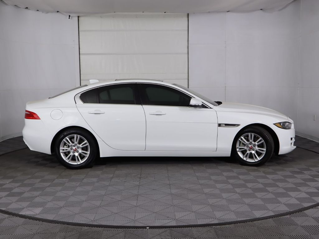 2019 Jaguar XE COURTESY VEHICLE - 18795163 - 3