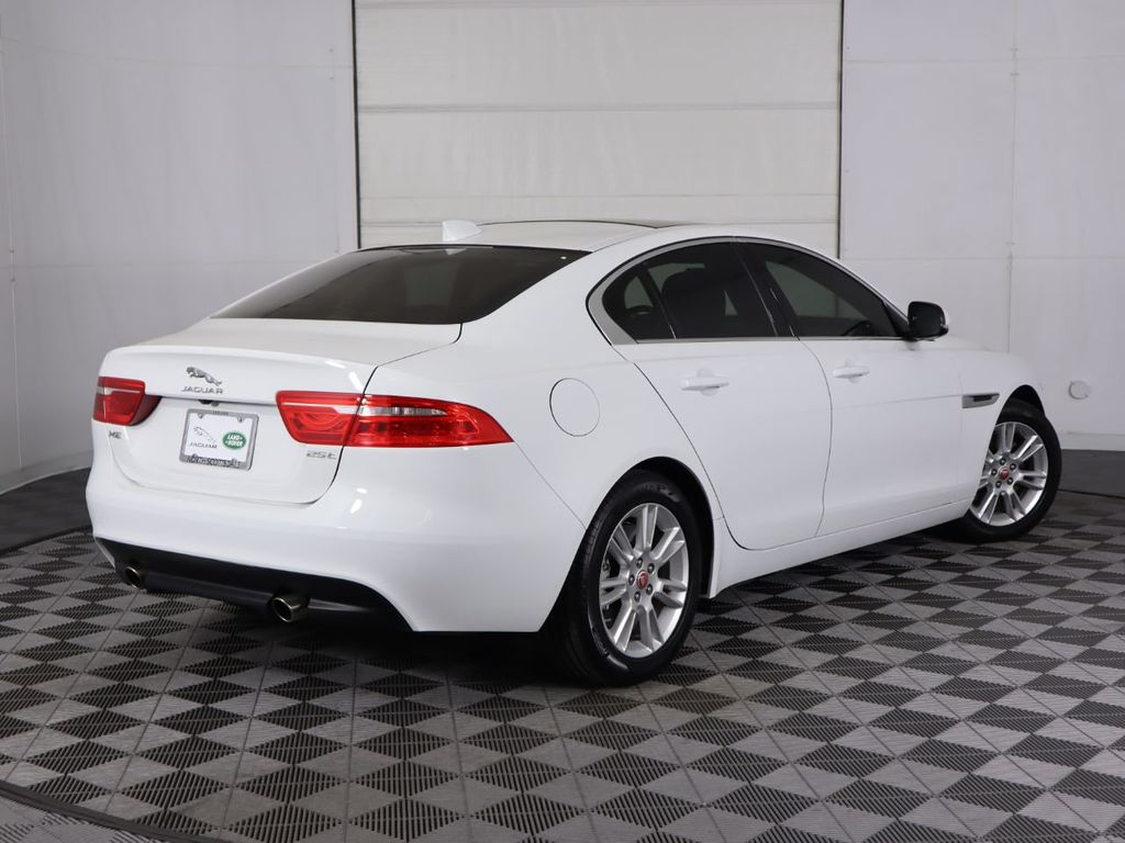 2019 Jaguar XE COURTESY VEHICLE - 18795163 - 4
