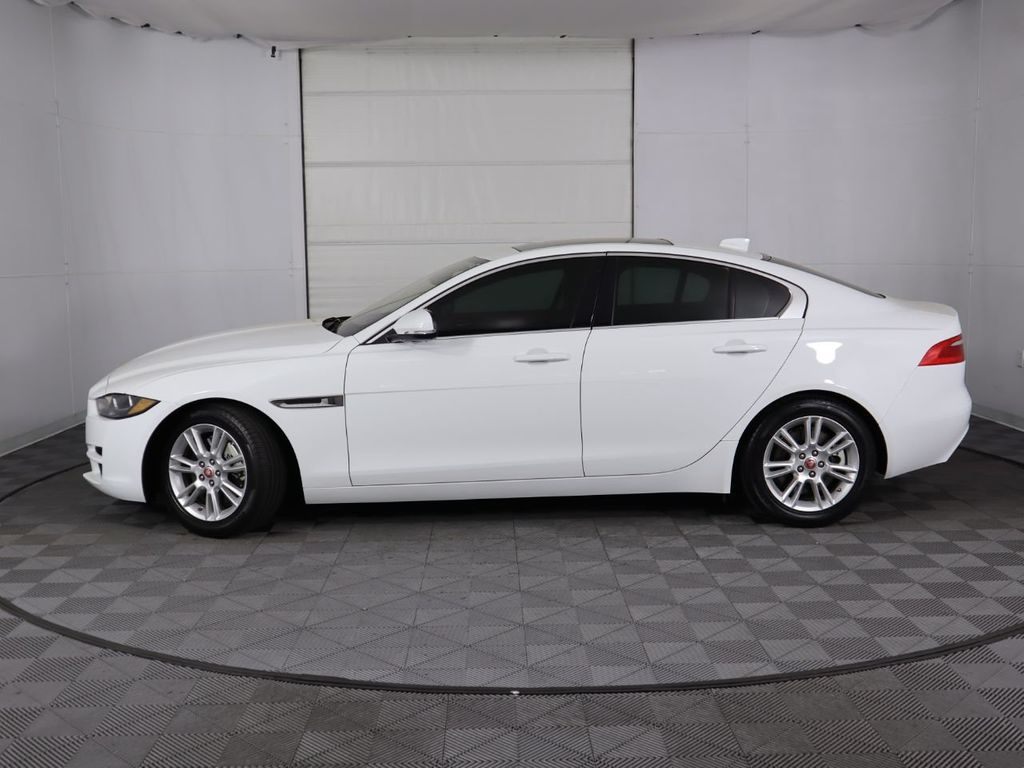 2019 Jaguar XE COURTESY VEHICLE - 18795163 - 7