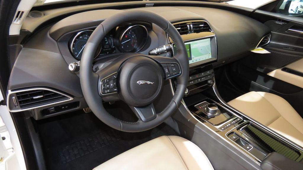 2019 Jaguar XE COURTESY VEHICLE  - 18893539 - 9