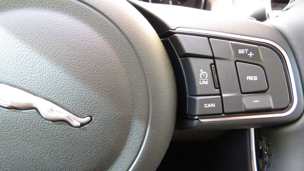 2019 Jaguar XE COURTESY VEHICLE  - 18893539 - 13