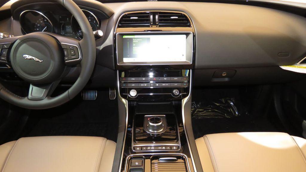 2019 Jaguar XE COURTESY VEHICLE  - 18893539 - 14