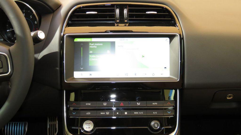 2019 Jaguar XE COURTESY VEHICLE  - 18893539 - 15