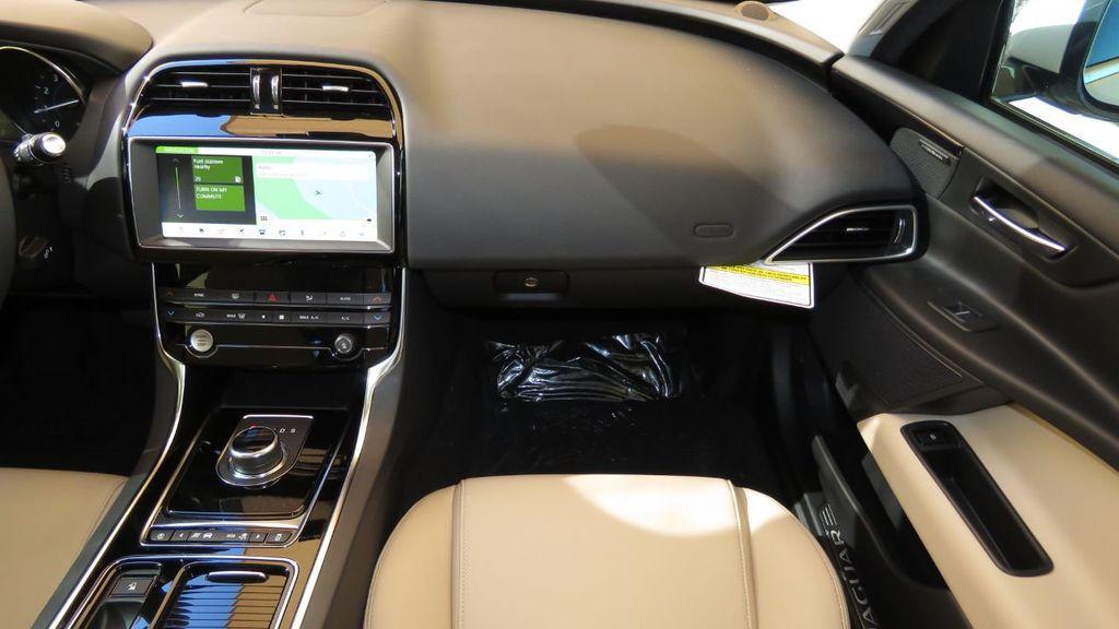 2019 Jaguar XE COURTESY VEHICLE  - 18893539 - 18