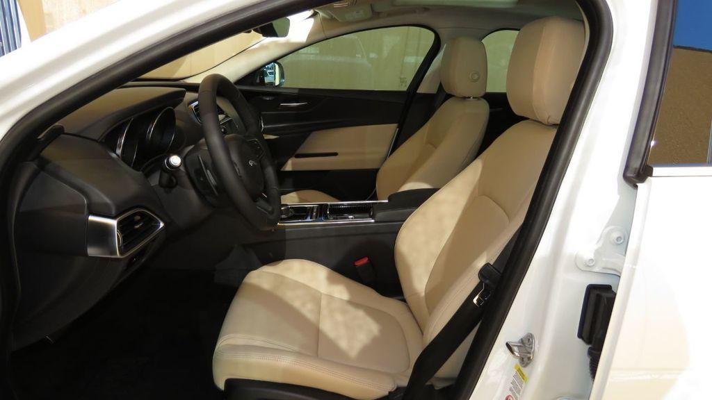 2019 Jaguar XE COURTESY VEHICLE  - 18893539 - 21
