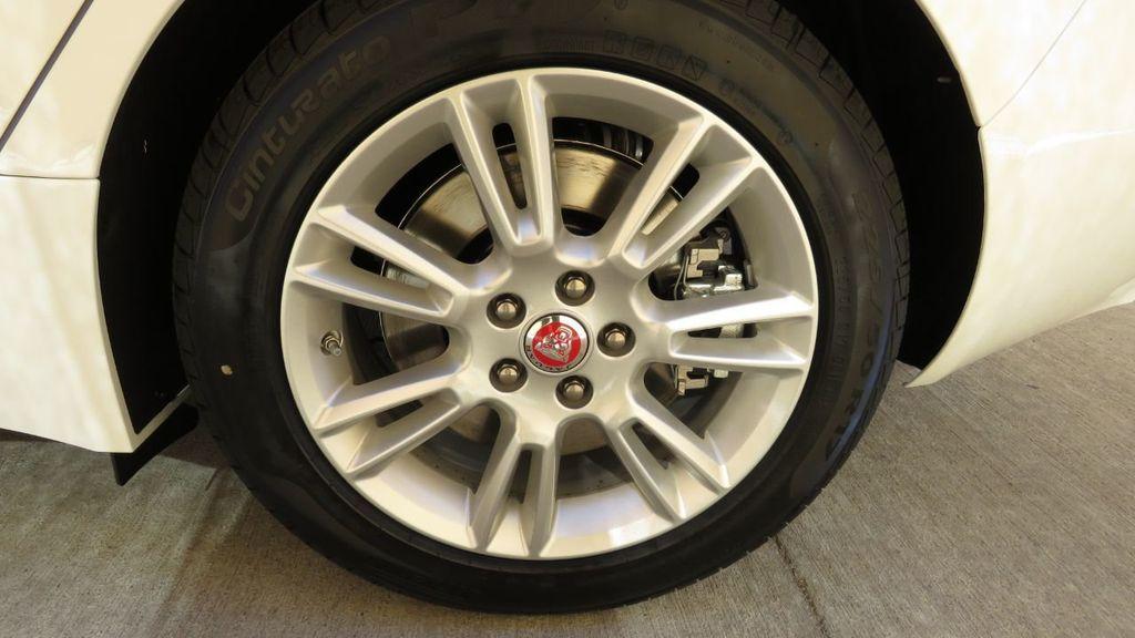 2019 Jaguar XE COURTESY VEHICLE  - 18893539 - 34