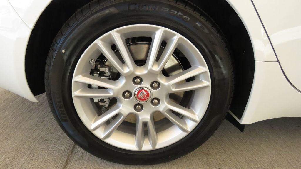 2019 Jaguar XE COURTESY VEHICLE  - 18893539 - 35