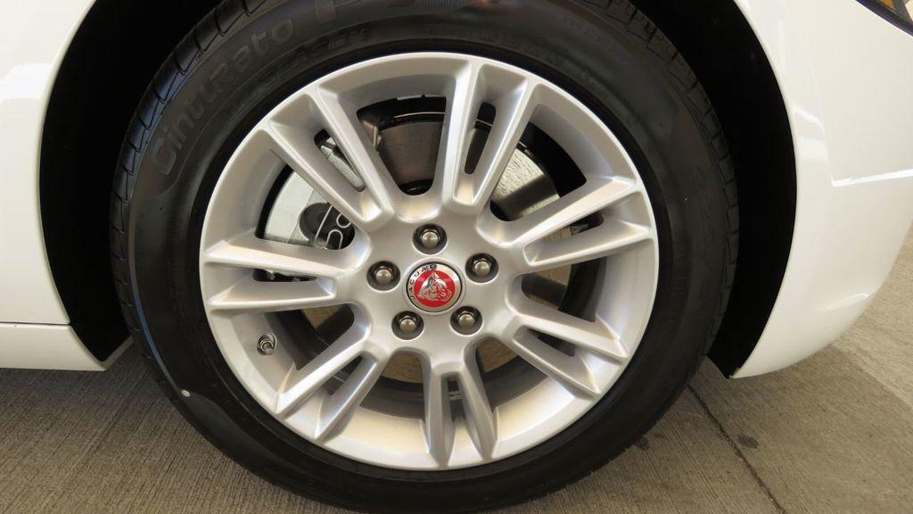 2019 Jaguar XE COURTESY VEHICLE  - 18893539 - 36