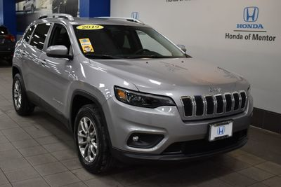 2019 Jeep Cherokee Latitude Plus 4x4 SUV - Click to see full-size photo viewer