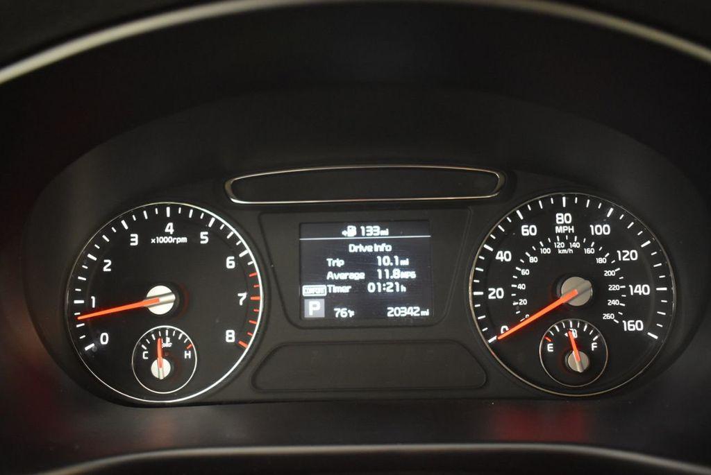 2019 Kia Sorento LX V6 FWD - 18716097 - 10