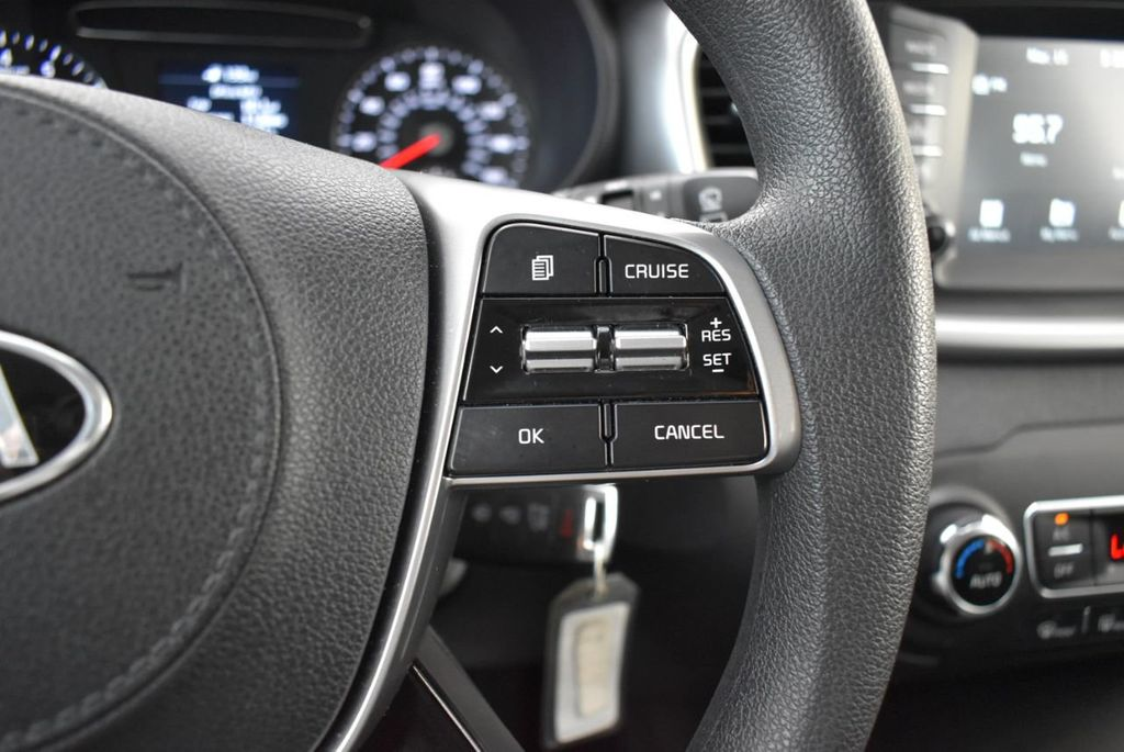 2019 Kia Sorento LX V6 FWD - 18716097 - 12