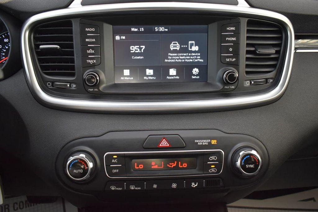 2019 Kia Sorento LX V6 FWD - 18716097 - 14