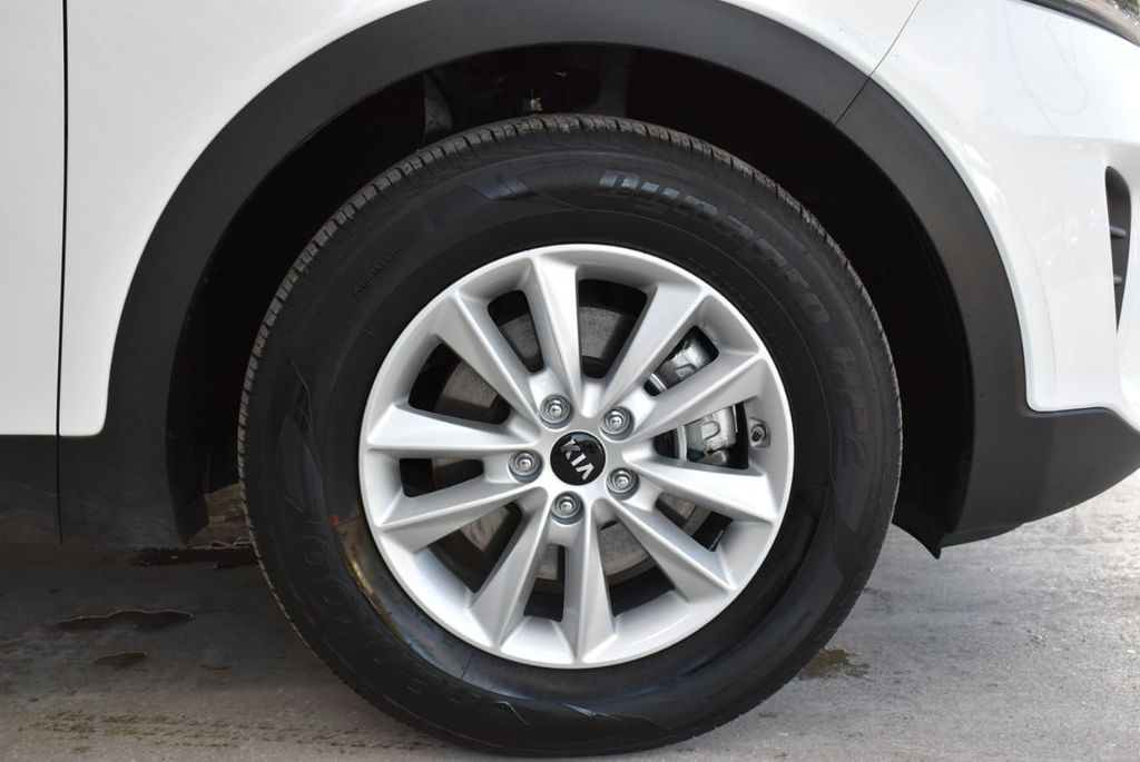 2019 Kia Sorento LX V6 FWD - 18716097 - 19