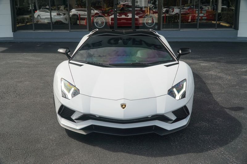 2019 Lamborghini Aventador S Roadster - Click to see full-size photo viewer
