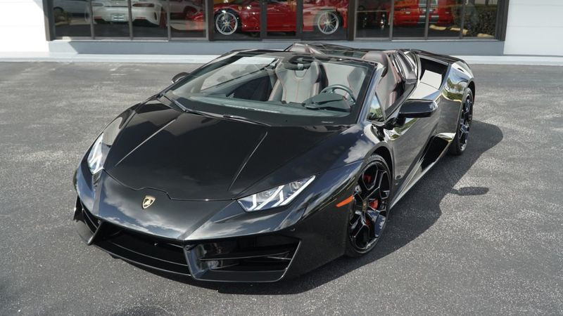 2019 Lamborghini Huracan RWD Sypder - Click to see full-size photo viewer