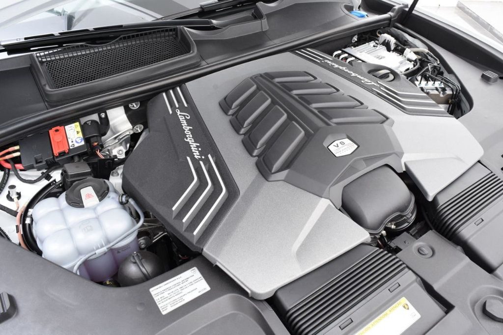 2019 Lamborghini Urus AWD - 18391460 - 24