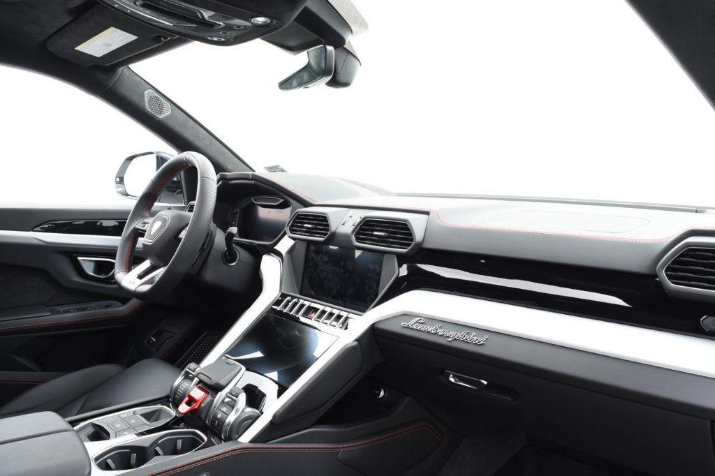 2019 Lamborghini Urus AWD - 18391460 - 29