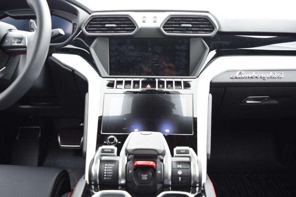 2019 Lamborghini Urus AWD - 18391460 - 35