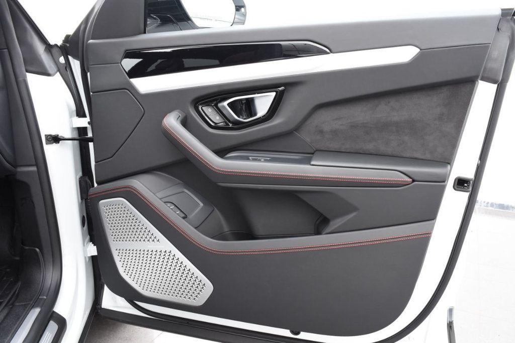 2019 Lamborghini Urus AWD - 18391460 - 64