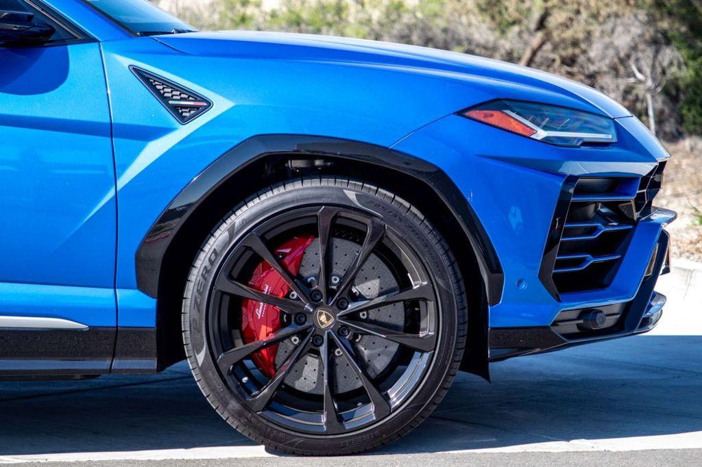 2019 Lamborghini Urus AWD - 18713105 - 24