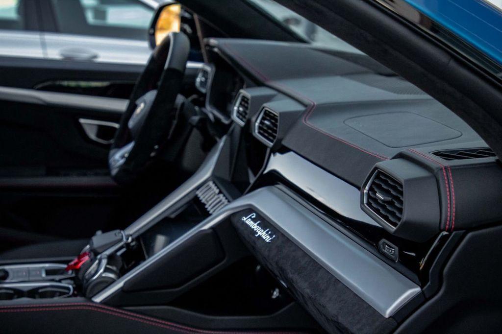 2019 Lamborghini Urus AWD - 18713105 - 56