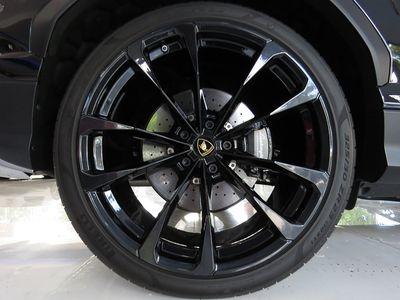 2019 Lamborghini Urus AWD - Click to see full-size photo viewer
