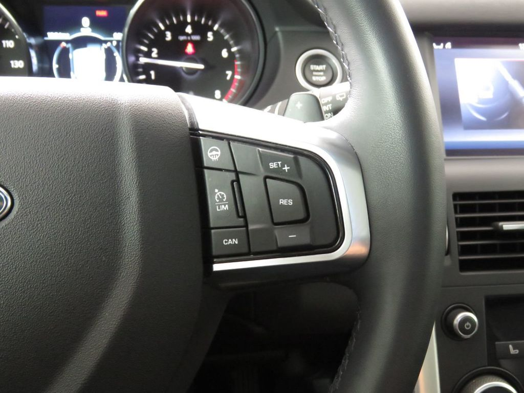 2019 Land Rover Discovery Sport COURTESY VEHICLE - 18903770 - 11