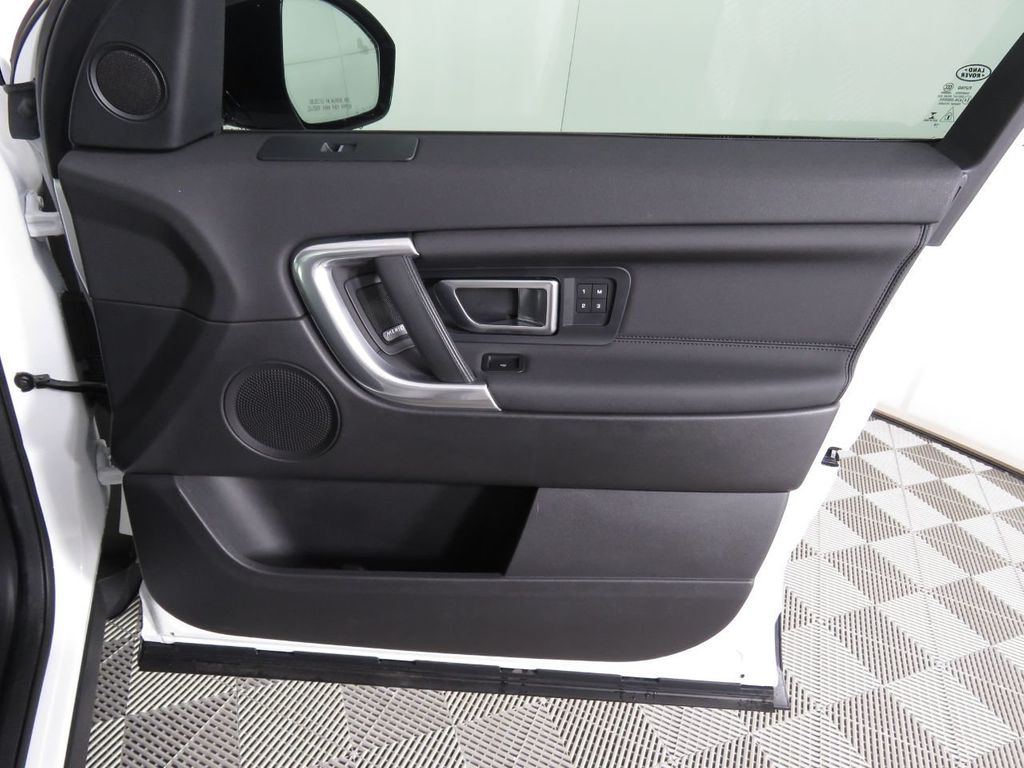 2019 Land Rover Discovery Sport COURTESY VEHICLE - 18903770 - 24