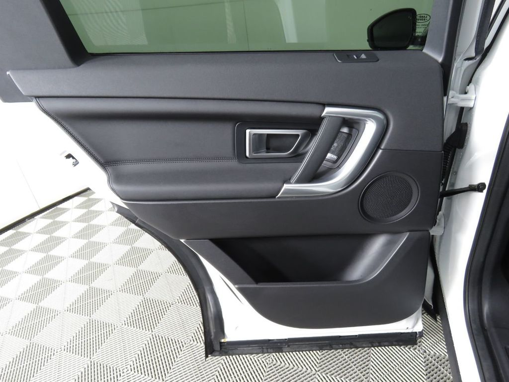 2019 Land Rover Discovery Sport COURTESY VEHICLE - 18903770 - 25