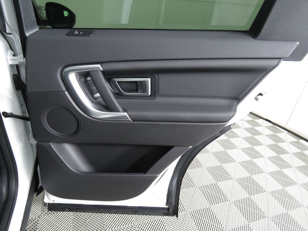 2019 Land Rover Discovery Sport COURTESY VEHICLE - 18903770 - 26