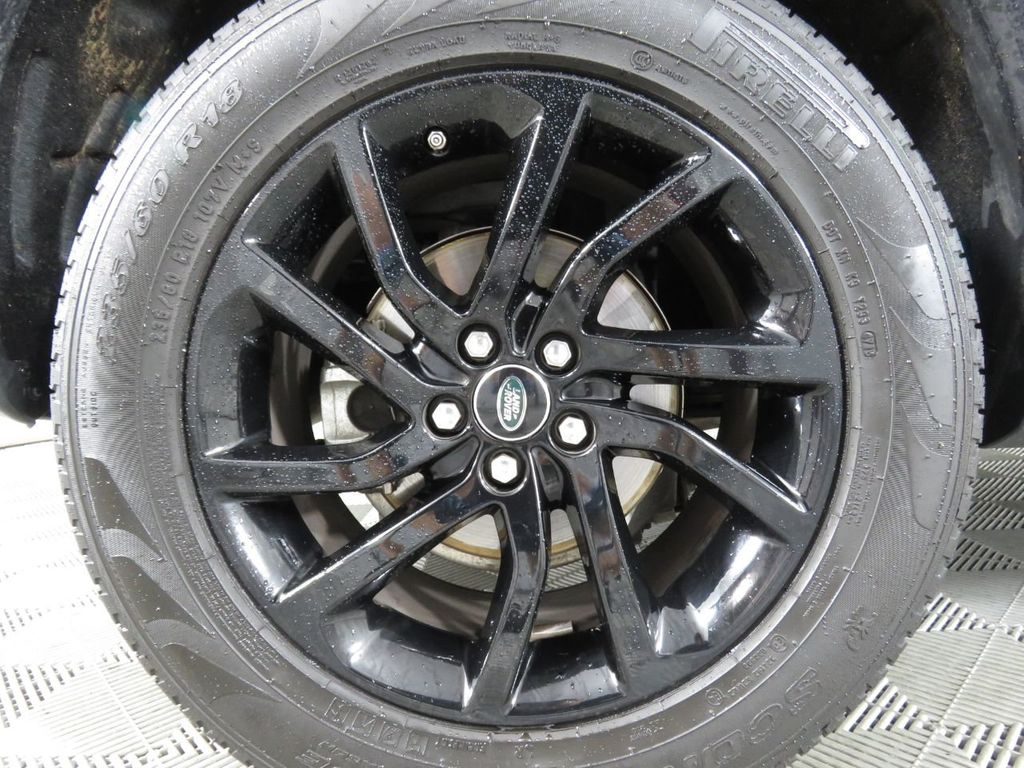 2019 Land Rover Discovery Sport COURTESY VEHICLE - 18903770 - 30