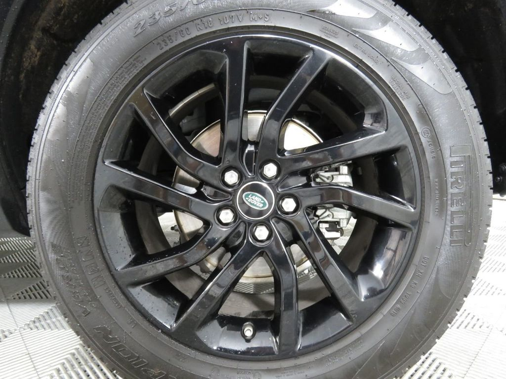 2019 Land Rover Discovery Sport COURTESY VEHICLE - 18903770 - 32