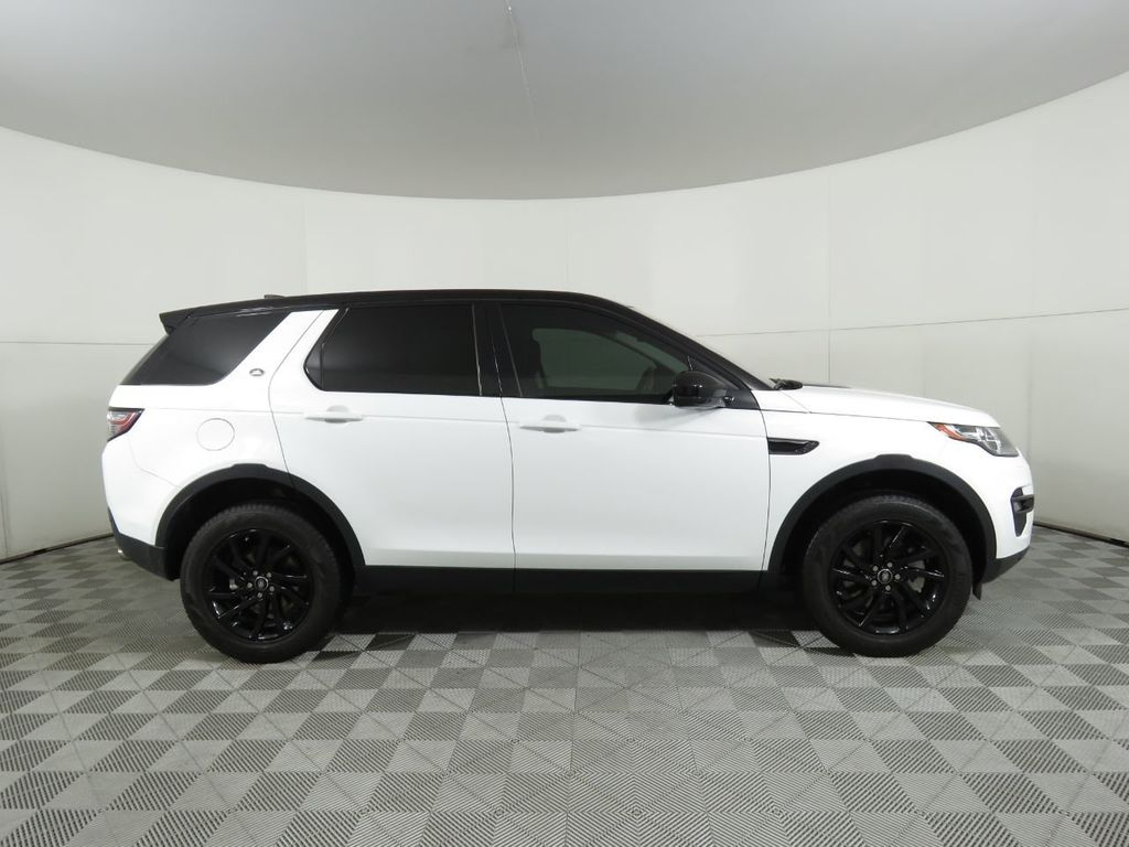 2019 Land Rover Discovery Sport COURTESY VEHICLE - 18903770 - 3
