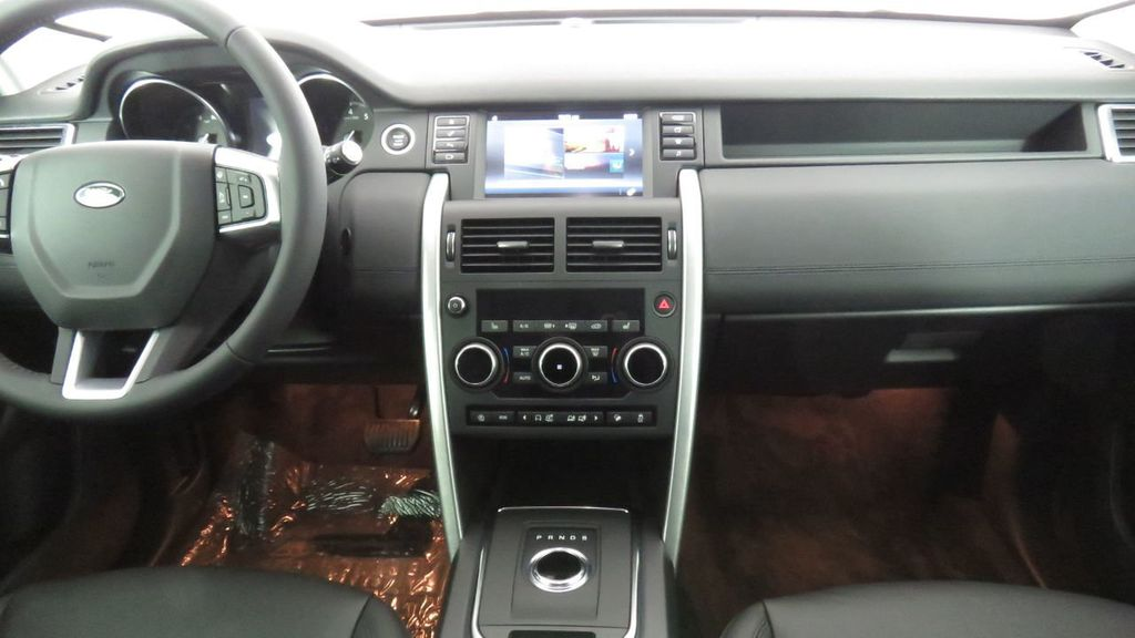 2019 Land Rover Discovery Sport COURTESY VEHICLE  - 18248682 - 13