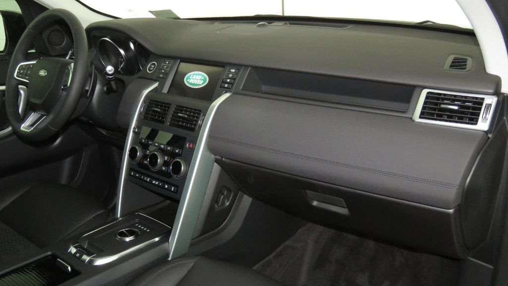 2019 Land Rover Discovery Sport COURTESY VEHICLE  - 18310019 - 19