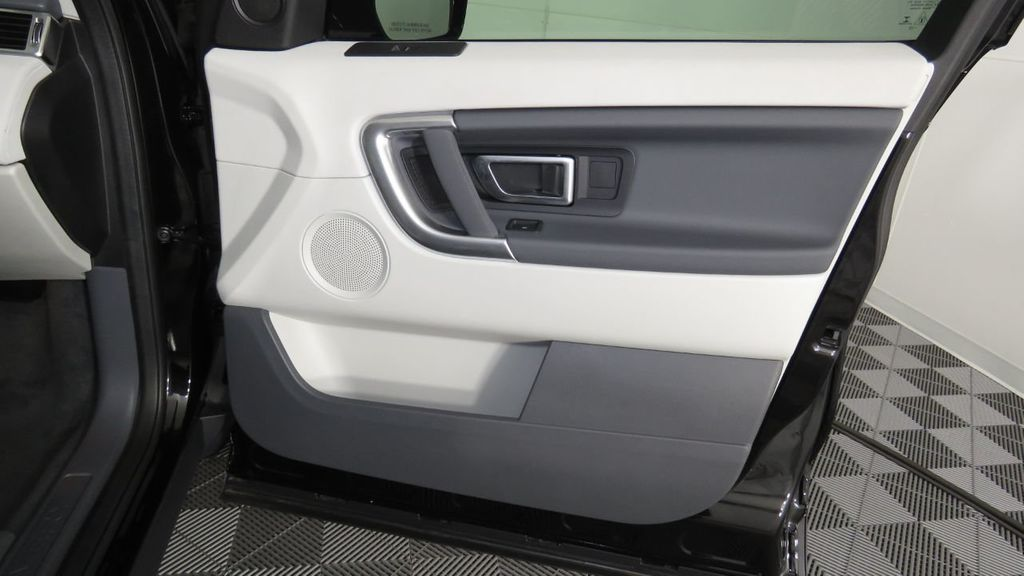 2019 Land Rover Discovery Sport COURTESY VEHICLE  - 18310022 - 26