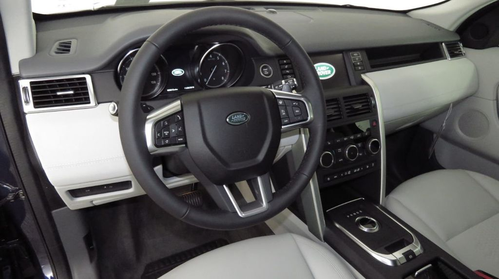 2019 Land Rover Discovery Sport COURTESY VEHICLE  - 18334400 - 9