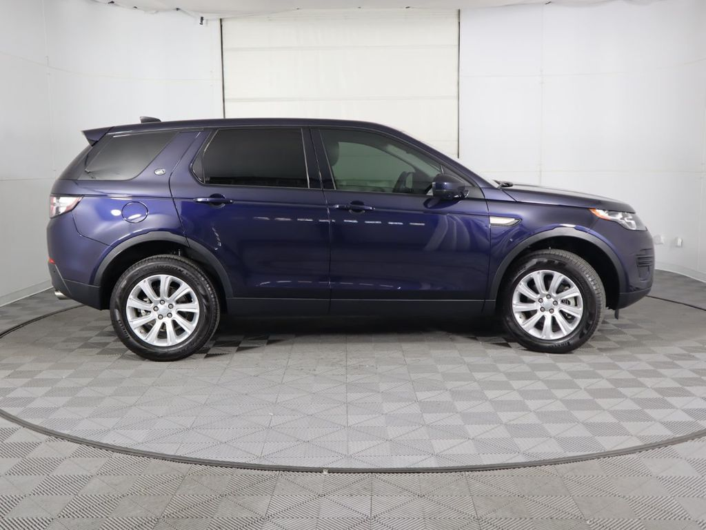 2019 Land Rover Discovery Sport COURTESY VEHICLE  - 18334400 - 3