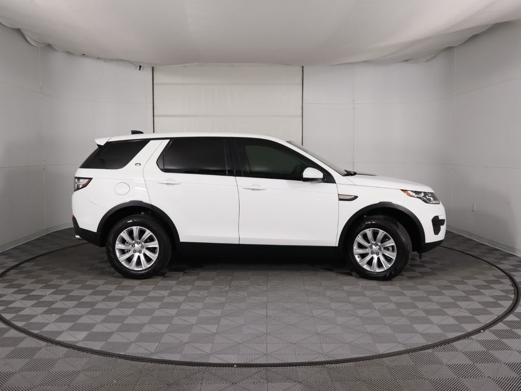 2019 Land Rover Discovery Sport COURTESY VEHICLE  - 18358539 - 3