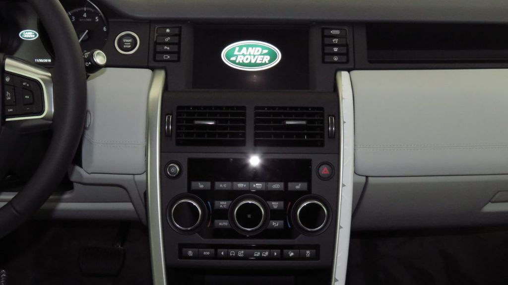 2019 Land Rover Discovery Sport COURTESY VEHICLE  - 18368106 - 14